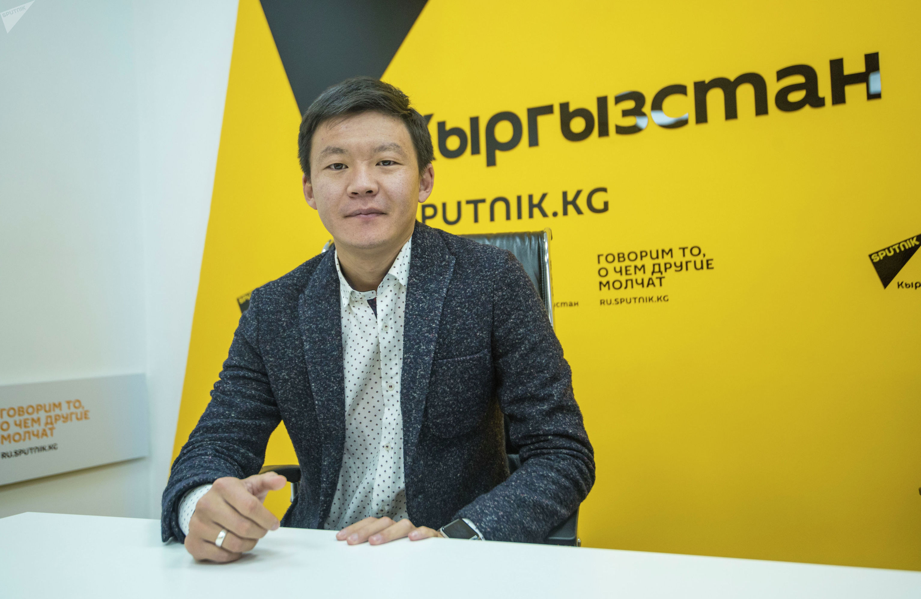 Кыргызстанский юморист, актер и телеведущий Самат Эркинбеков