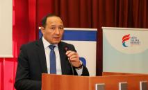 Генеральный консул КР в городе Стамбул Эркин Сопоков во время выступления в университете