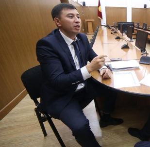 Эсеп палатасы 2018-жылдын бюджетинин аткарылышы боюнча аудит жүргүзүп, көмүскөдөгү маалыматты таап чыкты. Анда Кыргызстан чет өлкөлүк төрт банктан алган кредитти убагында иштетпей койгону үчүн 772 миллион 257 миң сом айып төлөгөнү айтылат.