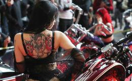 Участница Международного тату-съезда в Брюсселе