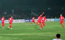 Пресс-служба Федерации футбола КР представила видеоролик по итогам игры Кыргызстан — Таджикистан на стадионе имени Долона Омурзакова в Бишкеке.