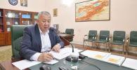 Премьер-министр Кыргызской Республики Кубатбек Боронов на заседании Республиканского оперативного штаба