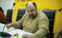 Технический директор Sputnik Кыргызстан Михаил Рогожин в пресс-центре редакции. Архивное фото