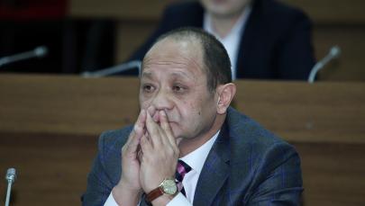 Президент Союза банков Кыргызстана Анвар Абдраев в заседании ЖК