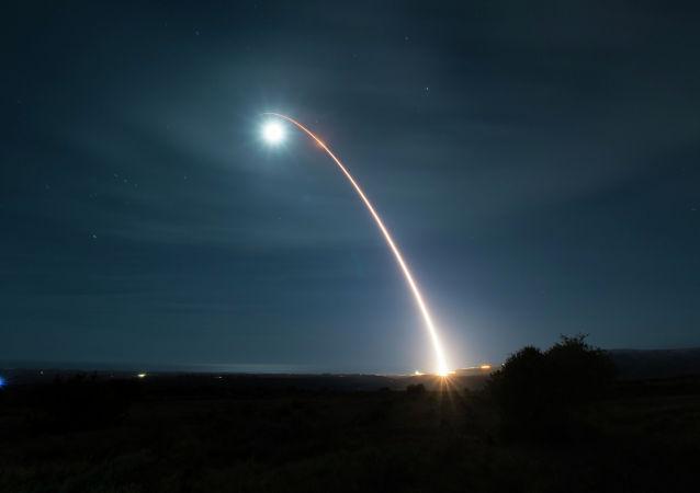 Испытание ракеты. Архивное фото