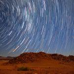 Австралийский фотограф Нина Чжао сняла небо в национальном парке Намиб-Ноклуфт в Намибии. Это место считаемся одним из лучших для наблюдения звезд.