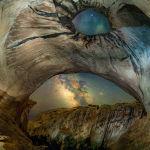 Работа американского фотографа Брайони Ричардса. Автор сказал, что это одна из самых сложных работ в его жизни из-за расположения пещеры.