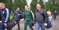 Коронавируска каршы россиялык вакцинаны сыноого биринчилерден болуп катышкан ыктыярчылар Бурденко атындагы госпиталдан үйүнө чыкты.
