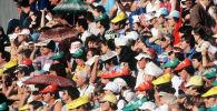 Болельщики спортивного состязания на одном из стадионов. XXII летние Олимпийские игры. Архивное фото