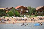 В связи с мировой пандемией и ситуацией с коронавирусом в стране владельцам иссык-кульских отелей пришлось снизить цены, чтобы оставаться на плаву.