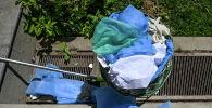 Таштандыга ыргытылган иштетилген медициналык жабдыктар. Архивдик сүрөт