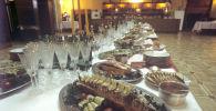 Сервировка стола в ресторане Метрополь. Подготовка к XXII летним Олимпийским играм в Москве. Архивное фото