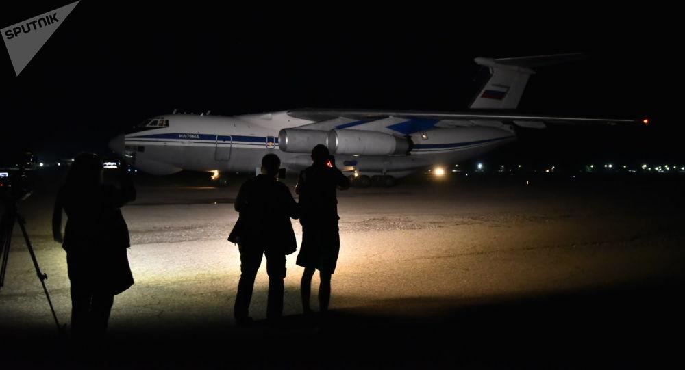 Прибытие специального борта с группой военных врачей из РФ на аэродром в Канте