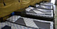 Койки в госпитале, развернутом для больных COVID-19. Архивное фото
