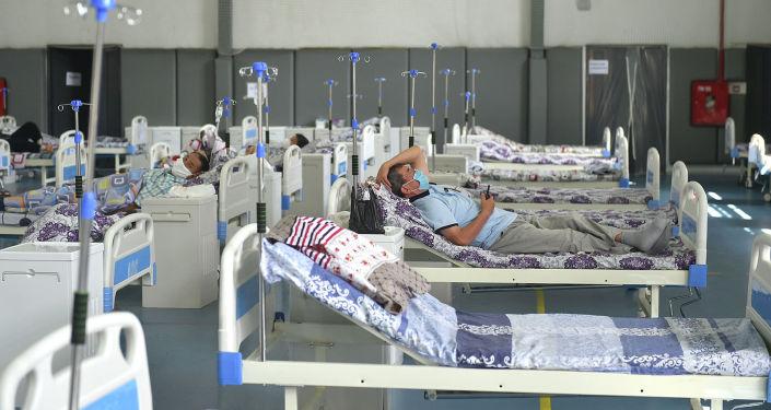Пациенты в одном из дневных стационаров в Ошской области