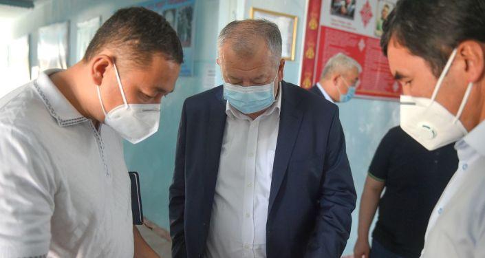 Премьер-министр Кыргызской Республики Кубатбек Боронов принял участие в закладке капсулы под строительство здания новой инфекционной больницы в городе Оше