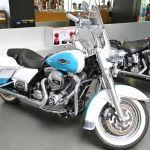 В списке конфискованного транспорта был и Harley-Davidson. Легендарные американские мотоциклы выпускаются с 1900 года. Они тяжелые и предназначены для устойчивой езды по шоссе.