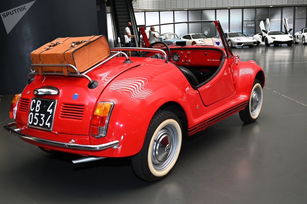 Еще один Fiat 500 из коллекции итальянского бизнесмена