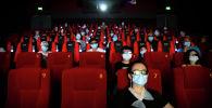 Кинотеатрдагы көрүүчүлөр. Архив