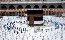 Меккеде ажылык кылып аткан мусулмандар. Архивдик сүрөт