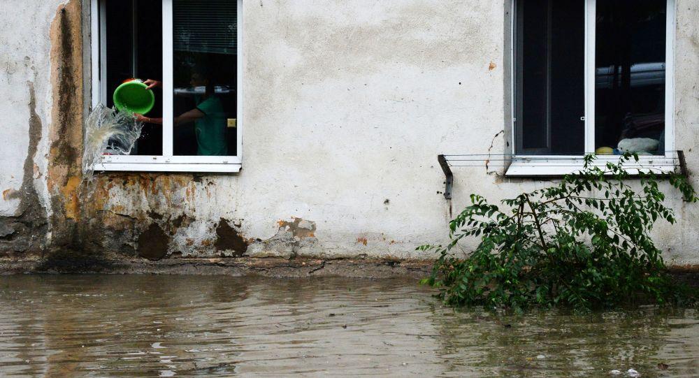Подтопленный дом. Архивное фото