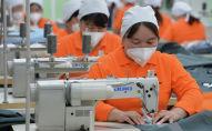 Деятельность текстильного предприятия занимающейся производством специализированной одежды в Ак-Суйском районе. Архивное фото