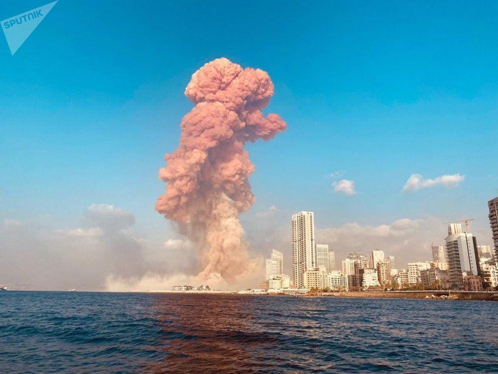 Катуу жарылуу шейшемби күнү кечинде Бейруттагы порттун аймагында болду