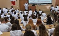 Студенты медики на занятиях. Архивное фото