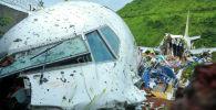 Индиядагы Кожикоде шаарында конуп жатканда кырсыкка учураган учак