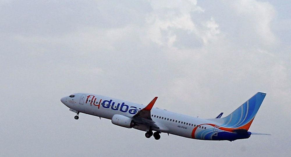 Самолет авиакомпании Fly Dubai совершает взлет. Архивное фото