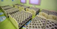 Кровати для детей в детском саду. Архивное фото