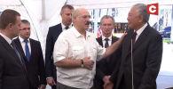 10 августа президент Беларуси Александр Лукашенко ознакомился с проектом агропромышленного комплекса. О проекте рассказывал ему Даниил Урицкий. На эту встречу уже отреагировал МИД КР и потребовал выдать его.