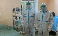 Группы военных медиков Министерства обороны России во время лечения пациентов с коронавирусом в Оше. Архивное фото
