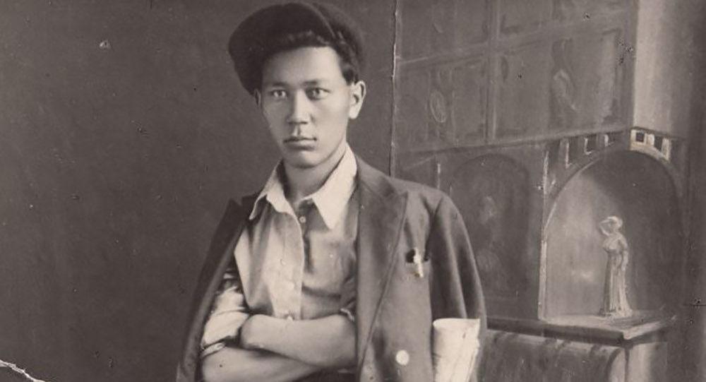 Бүгүн белгилүү акын, жазуучу Жусуп Турусбеков. Архив