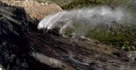 В начале августа местные жители в Австралии стали свидетелями довольно необычной картины — перевернутых водопадов.