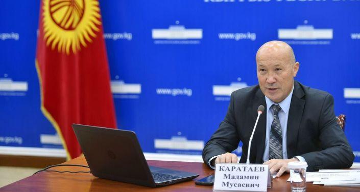Заместитель министра здравоохранения КР Мадамин Каратаев на брифинге 18 августа 2020 года