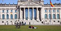 Историческое здание Рейхстага в центре Берлина. Архивное фото