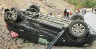 В ущелье около города Кара-Куль Токтогульского района столкнулись два автомобиля, два человека госпитализированы.