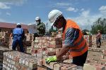 Строительство нового здания школы. Архивное фото