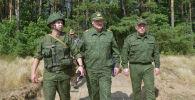 Президент Беларуси Александр Лукашенко посетил военный полигон