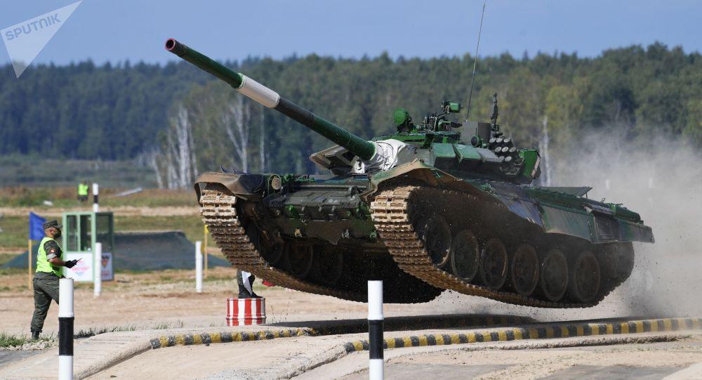 Танк Т-72 команды военнослужащих Кыргызстана во время соревнований танковых экипажей