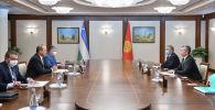 Вице-премьер-министр Акрам Мадумаров Ташкент шаарына жасаган жумушчу сапарынын алкагында Өзбекстандын өкмөт башчысы Абдулла Арипов менен жолугуп, бир топ маселелерди талкуулады