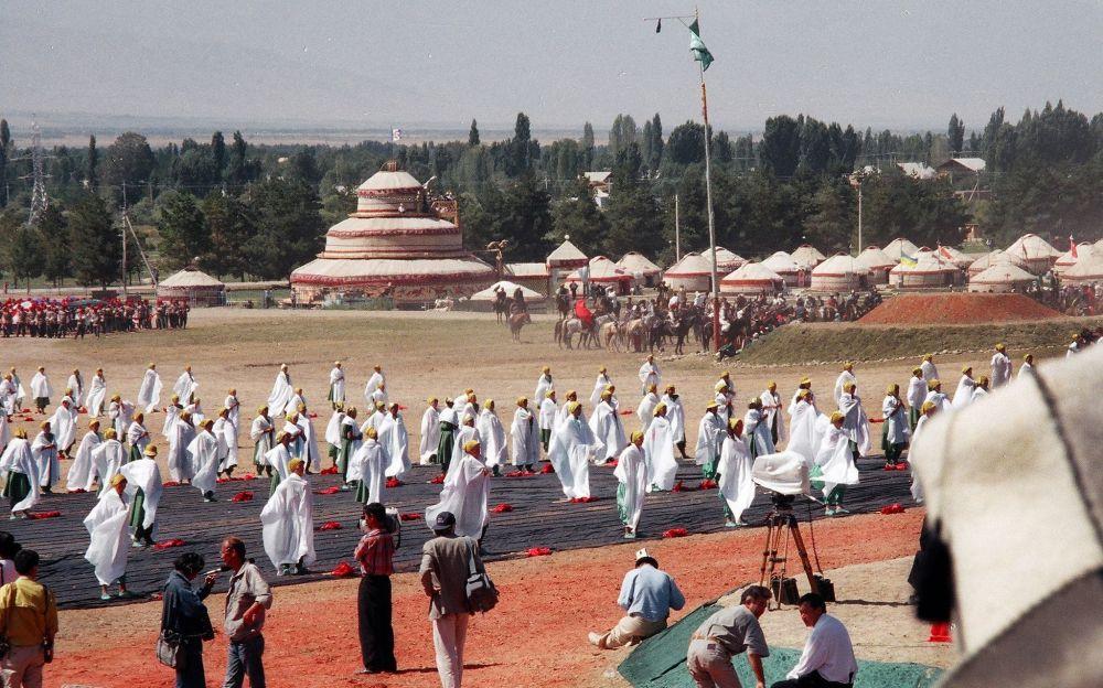 Манас эпосунун 1000 жылдыгы 1995-жылы 25-августтан 30-августка чейин өткөн