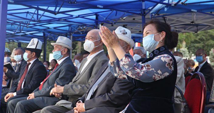 Праздничное мероприятие на площади Ала-Тоо в Бишкеке в честь 29-й годовщины независимости КР