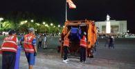Кечээ, 31-август өлкөнүн Көз карандысыздык майрамында, Бишкектеги Ала-Тоо аянтынан эки тонна таштанды чыгарылды