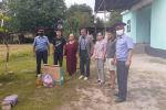 Базар-Коргон районунун милициясы ата-энеси автокырсыктан каза болгон жети бир тууганга материалдык колдоо көрсөттү