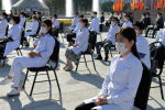 Медики на церемонии празднования независимости КР на площади Ала-Тоо в Бишкеке. Архивное фото