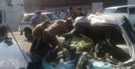 Последствия ДТП в селе Казарман Тогуз-Тороусского района, где погибли восемь человек.