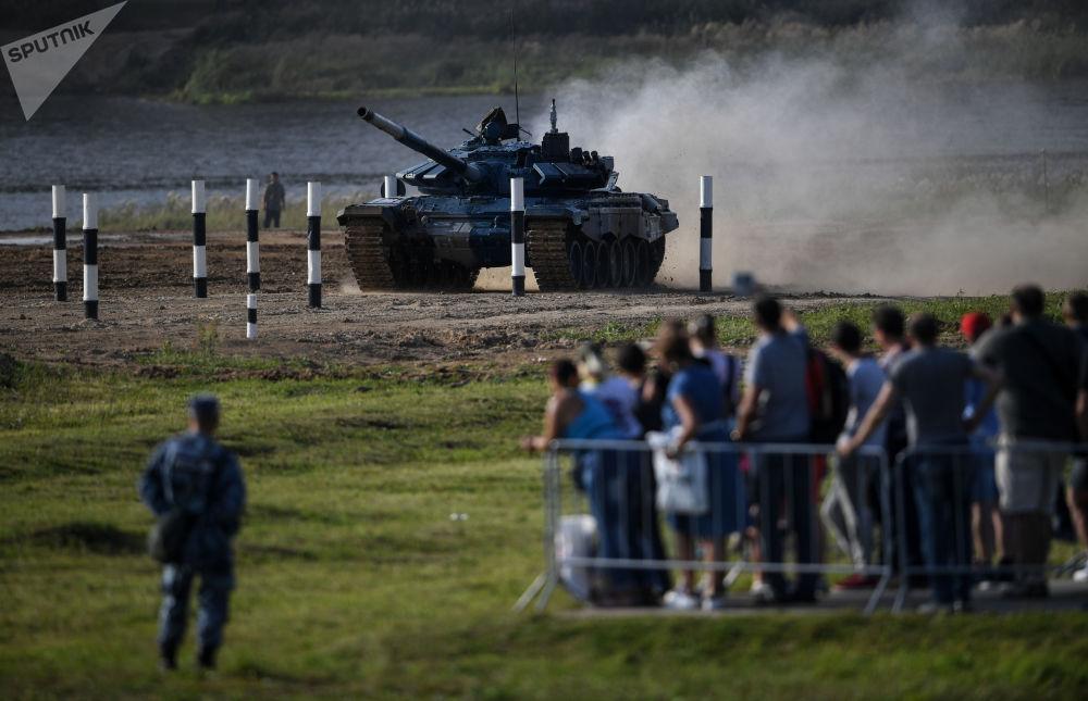 Все военные выступали на российских танках Т-52