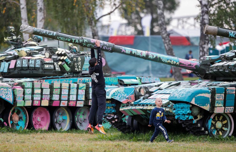 В рамках VI Армейских международных игр также прошла выставка танков